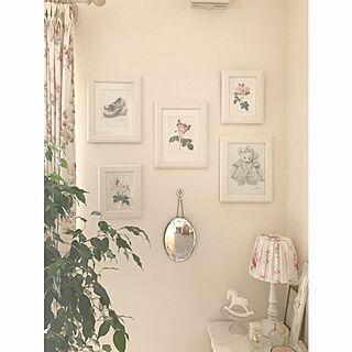 壁/天井/シェードはハンドメイド/ペンダントライト/ローラアシュレイの鏡/IKEAのフレーム/デッサン...などのインテリア実例 - 2017-01-24 17:53:45