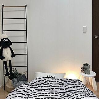 ベッド周り/ニトリ/IKEA/ダイソー/コンクリート鉢♡hinA ちゃん...などのインテリア実例 - 2018-01-22 11:32:18
