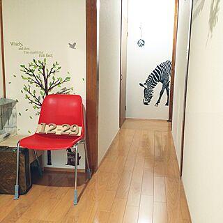女性35歳の家族暮らし、赤いいすに関するhana.1321jpさんの実例写真