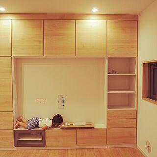 女性32歳の家族暮らし2LDK、テレビ壁面収納に関するtmmさんの実例写真