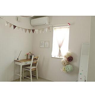 女性家族暮らし4LDK、ピンクの机に関するcomiriさんの実例写真