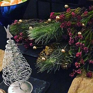 机/ドライフラワー/メリークリスマス/セリアのクリスマス雑貨/クリスマステーブルコーディネート...などのインテリア実例 - 2017-12-24 18:49:30