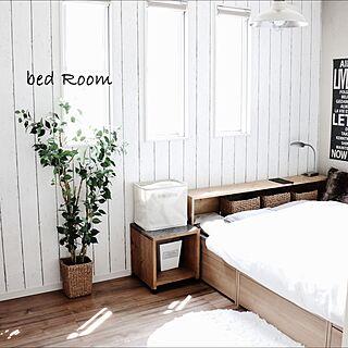 女性の、3LDK、家族住まいの「ベッド周り」についてのインテリア実例