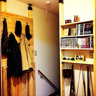 女性の、2DK、家族住まいの「玄関/入り口」についてのインテリア実例
