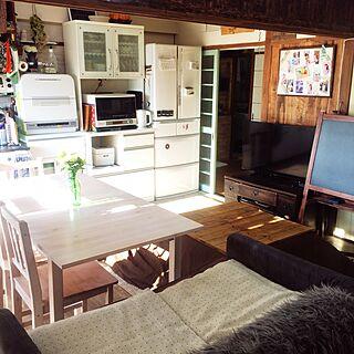 部屋全体/日差しがまぶしい!/こたつ天板DIY/オーブンレンジ/ニトリの食器棚...などのインテリア実例 - 2016-12-01 09:42:59