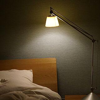 ベッド周り/ベッドライト/FLOS/フロス/間接照明...などのインテリア実例 - 2017-12-23 20:14:23