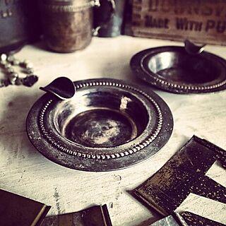 女性、アンティーク灰皿に関するNorth6Antiquesさんの実例写真