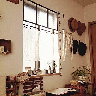 壁/天井/窓枠風飾り/3coinsのカフェカーテン/セリア/窓...などのインテリア実例 - 2014-01-21 14:58:56