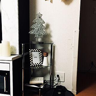 女性の、1LDK、家族住まいの「棚」についてのインテリア実例