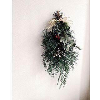 玄関/入り口/ブルーアイス/手作りスワッグ/クリスマススワッグ/クリスマス飾り...などのインテリア実例 - 2015-12-14 07:01:54