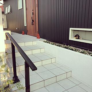 玄関/入り口/シーサー/黒い外壁/リノベーション/白×黒...などのインテリア実例 - 2018-08-04 20:55:51
