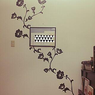 女性の、2K、一人暮らしの「壁/天井」についてのインテリア実例