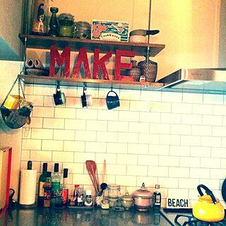 キッチン/カリフォルニアスタイル/サブウェイタイル/調味料収納/キッチングッズ...などのインテリア実例 - 2014-05-12 14:07:52