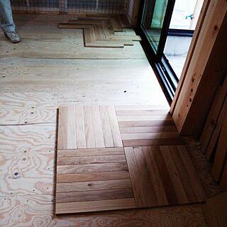 女性家族暮らし、小学校の床に関するYukoさんの実例写真