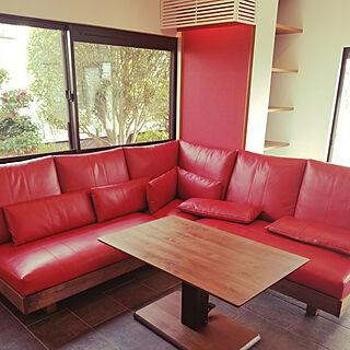 女性家族暮らし、赤い家具に関するHIMAWARIさんの実例写真