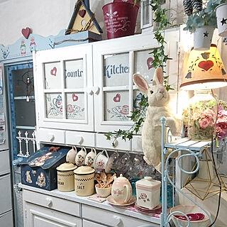 女性60歳の家族暮らし4LDK、リメイク食器棚(。´◡ `。)に関するruruさんの実例写真