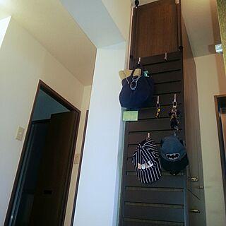 玄関/入り口/家の中は茶色ばかり。。。/賃貸/バリ雑貨が好き/生活感をなくし隊...などのインテリア実例 - 2015-09-30 09:46:41