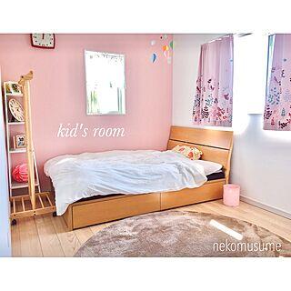 女性31歳の家族暮らし3LDK、ニトリの円形ラグに関するnekomusumeさんの実例写真