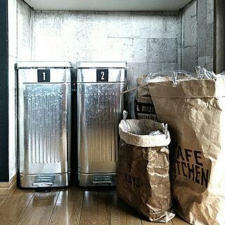 ゴミ箱の人気の写真(RoomNo.2883184)