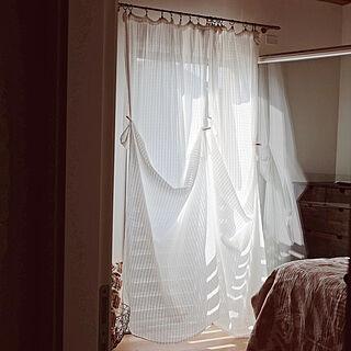 女性、カーテンに関するfreakycatさんの実例写真
