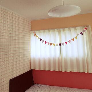 ベッド周り/ガーランド♡/チェック柄/子供部屋/DIY...などのインテリア実例 - 2018-04-22 07:52:23