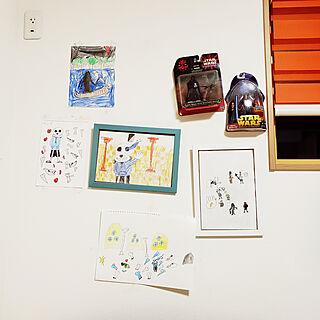 女性の、4LDK、家族住まいの「壁/天井」についてのインテリア実例