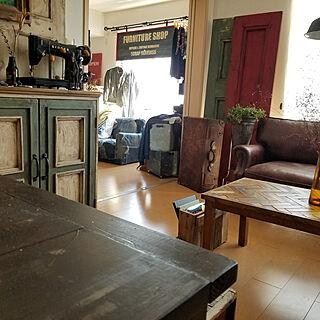 男性42歳の一人暮らし2LDK、ハンドメイド家具に関するscrapheaven55さんの実例写真