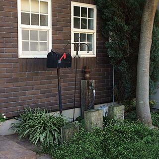 玄関/入り口/グリーンのある暮らし/枕木水栓/枕木花壇/カルセラ...などのインテリア実例 - 2017-11-23 11:38:38