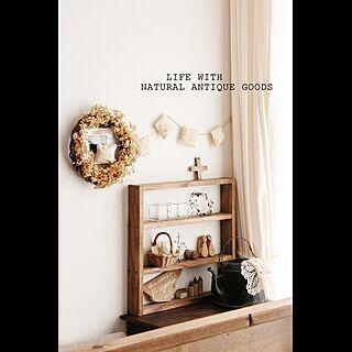 ただいまです♡/キッチンから見る窓辺/あじさいリース/ぷっくりガーランド/DIY棚...などのインテリア実例 - 2014-11-12 18:35:04