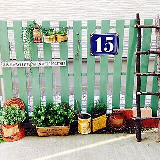 玄関/入り口/文字/リメ缶/フェイクグリーン/スノコ...などのインテリア実例 - 2014-04-19 08:30:41