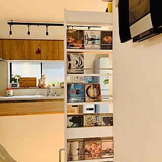 家族暮らし3LDK、CD収納に関するhiromi1220さんの実例写真