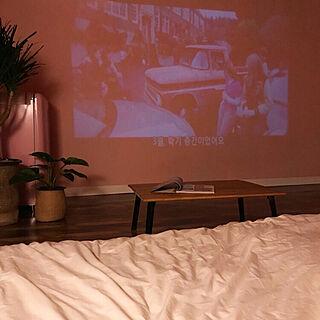 女性28歳の家族暮らし2LDK、映画のインテリアに憧れるに関するLINAさんの実例写真