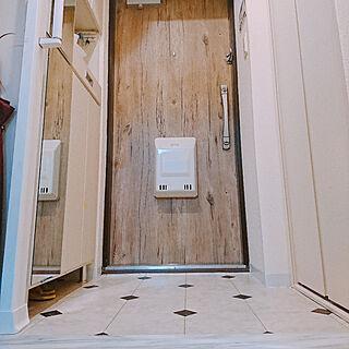 玄関/入り口/床にものを置かない/リフォーム後/モノトーン好き/クッションフロア貼り替え...などのインテリア実例 - 2019-07-09 19:21:49