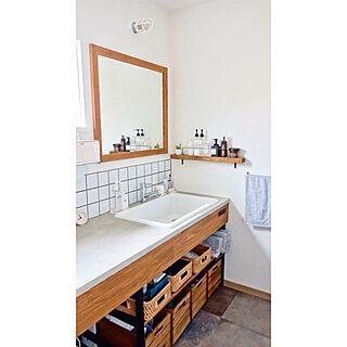 女性29歳の家族暮らし4LDK、洗面台タイルに関するRyokoさんの実例写真