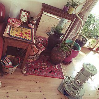 女性家族暮らし3LDK、昔の学校机に関するjunさんの実例写真