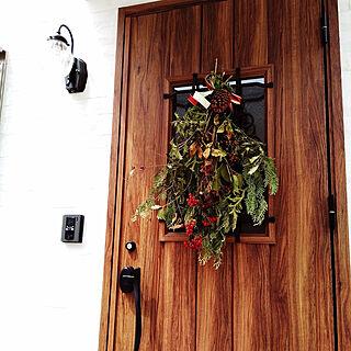 女性家族暮らし、LIXIL玄関ドアに関するuca0424さんの実例写真