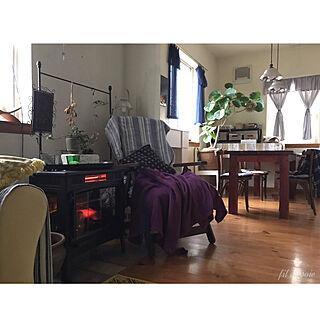 手作りカーテン/QVC暖炉型ファンヒーター/室温18度/緑のある暮らしいつまで続く…/葉が落ちる日々...などのインテリア実例 - 2019-02-19 20:07:22