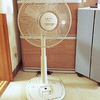リビング/ブログやってます/ターナーミルクペイント/扇風機ペイント/扇風機まだ片付けてません...などのインテリア実例 - 2016-09-21 08:04:34