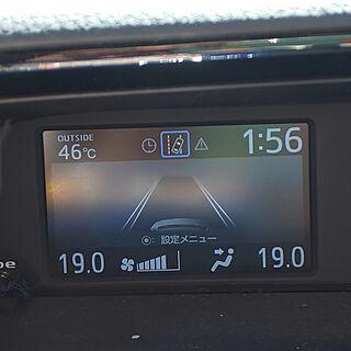 部屋全体/車内は50℃近くにもなる/雷⚡️ゴロゴロピカピカ/停電中のインテリア実例 - 2020-08-12 14:18:03