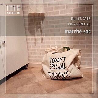 キッチン/食器棚リメイク/cafe風キッチンを目指して。/しろ/しろが好き*...などのインテリア実例 - 2016-02-17 21:12:36