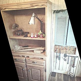 女性家族暮らし3LDK、食器棚DIYに関するkajyuさんの実例写真