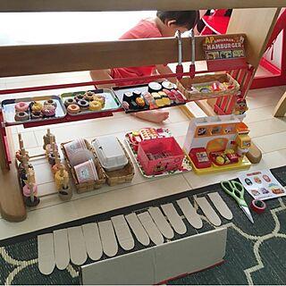 女性家族暮らし3LDK、My Desk ダイソーのトレイ、ヘビロテ中♡に関するtaitaiさんの実例写真