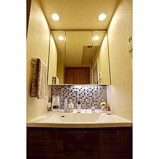 女性2LDK、タイル洗面台に関するsaroomさんの実例写真