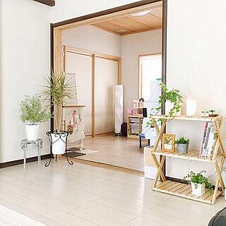女性34歳の家族暮らし4LDK、無印良品 木の壁紙に関するMichiさんの実例写真