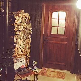 玄関/入り口/アンティークドア/オリーブの木/ウサギノミミ/多肉植物...などのインテリア実例 - 2017-11-10 23:58:02