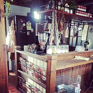 女性32歳の家族暮らし4LDK、キッチンカウンター横に関するkurumiさんの実例写真