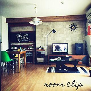 男性2LDK、diy 棚Overviewやアパートやサンサンフーやディアウォールなどに関するizumiさんの実例写真