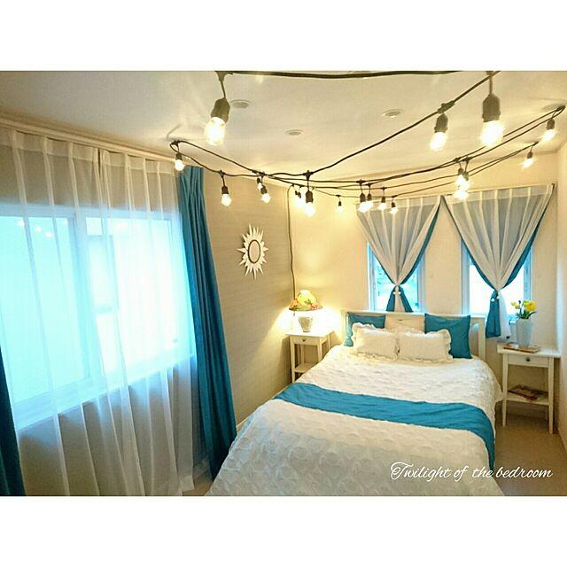 Bedroom,カーテン,クッション,エレガント,フレンチシック,キルトカバー,ホテルライク,海外インテリアに憧れる,花のある暮らし,サンバーストミラー,フットスロー,ストリングライト,海外のカラーセンスに憧れる,サンバーストミラーDIY,ラグジュアリーフレンチ,夕暮れ時のbedroomのインテリア実例 | RoomClip (ルームクリップ)