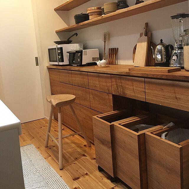My Shelf,食器棚,ゴミ箱,シューメーカー,無垢材,こどもと暮らす。,シンプルな暮らし,クルミの木のインテリア実例   RoomClip (ルームクリップ)