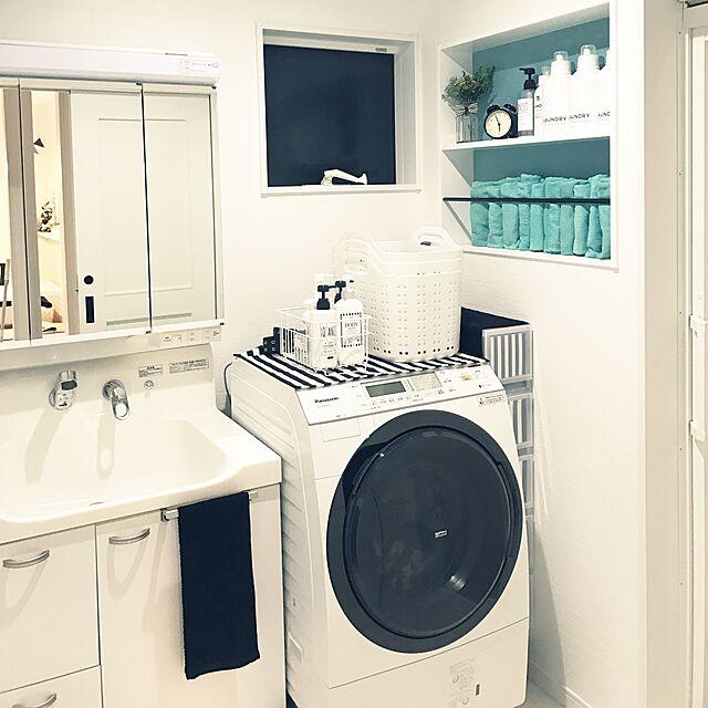 Bathroom,洗面所,雑貨,北欧,モノトーン,ホワイトインテリア,新築,壁紙屋本舗,白が好き♡,おしゃれで可愛く,いつもいいね♡コメありがとうございます♡,白黒インテリアのインテリア実例 | RoomClip (ルームクリップ)